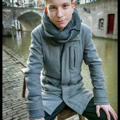 Nederland, Utrecht, 12-12-2019 Michiel Slob werkt parttime bij een advocatenkantoor in Zeist als servicemedewerker. Voor MUG Foto: Sake Rijpkema